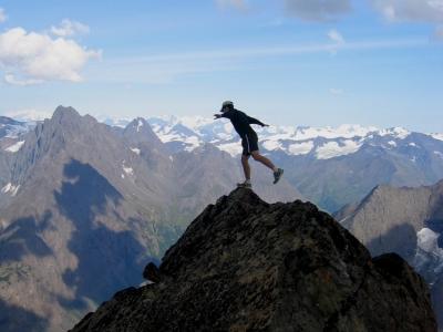Semakin maju tahapan startups semakin banyak risiko dihadapi untuk menjaga keseimbangan usaha. Credit foto http://www.paxsonwoelber.com/